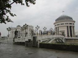 Brücke der vielen Kandelaber und Statuen / Baujahr ca. 2015